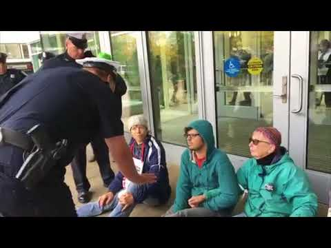 Activists protesting deportation arrested for blocking front entrance to the Springfield DHS office Mp3