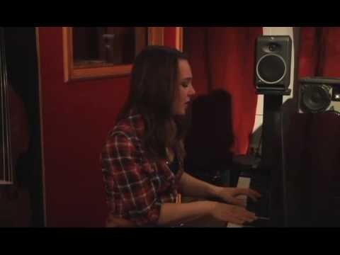 "Amy Regan- ""Keep You Warm"" Live at FLUX Studios"