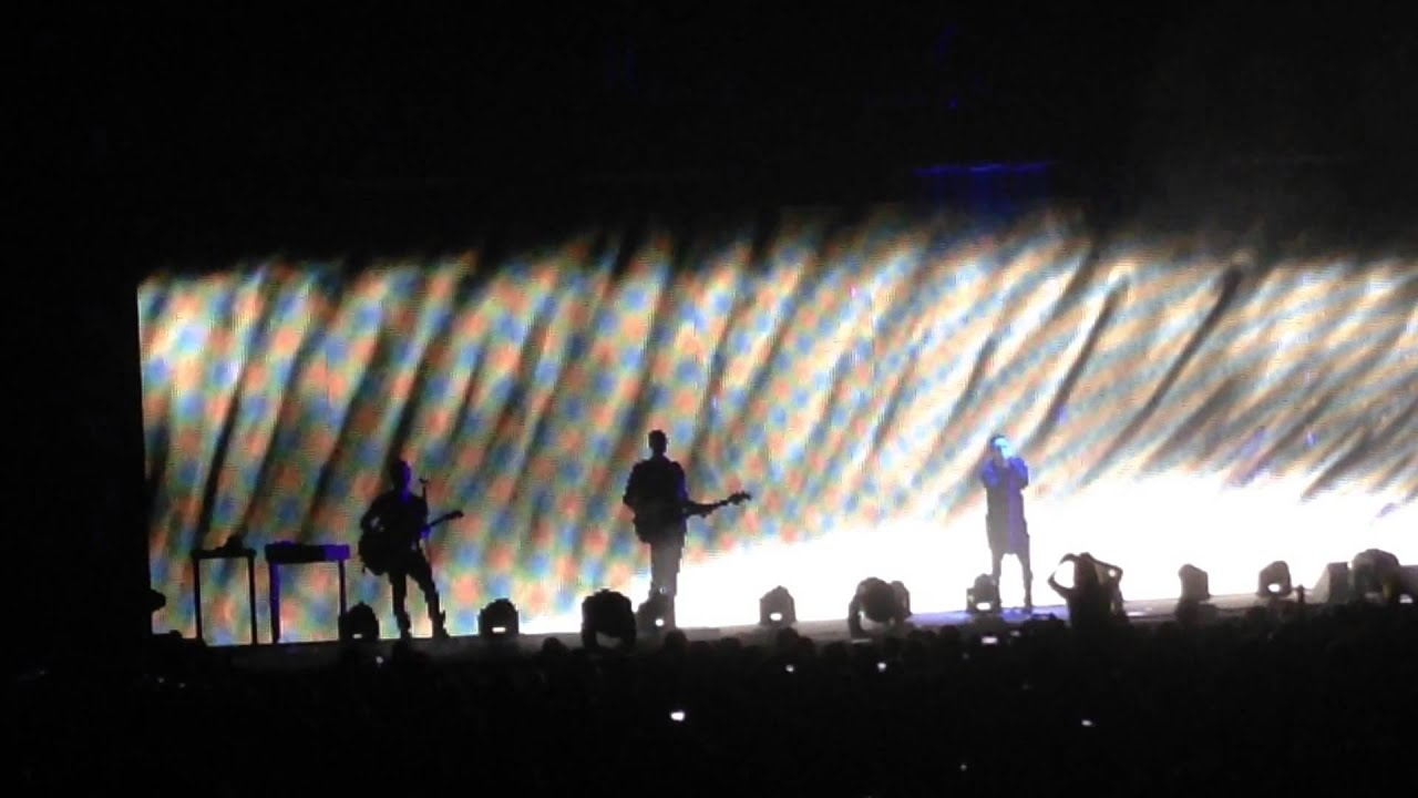 Nine Inch Nails (Orlando, FL 10/31/2013) - Hurt - YouTube