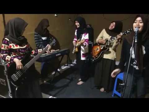 Nidji - Laskar Pelangi (Cover by: AM Band SMA Negeri 1 Trenggalek)