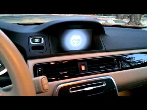 2013 Volvo XC70 Tour & Review