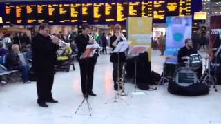 Úraich Brass - entertaining the commuters video 3