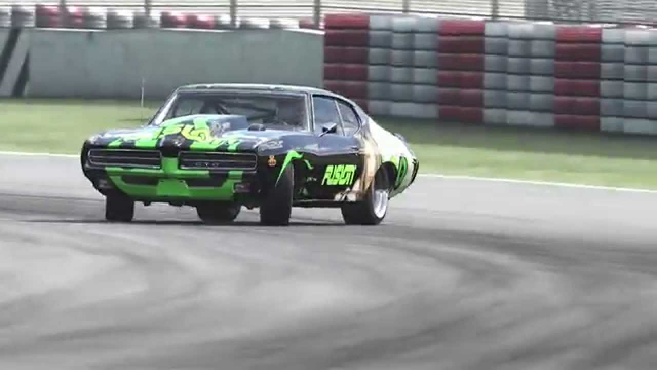 Drifting Muscle Cars Gto Judge Youtube