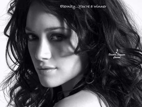 √♥ Whitney Houston √ One Moment In Time √ Lyrics