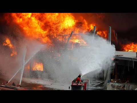 Shock for Dubai! Explosion and big fire in Jebel Ali port !! Disaster in the UAE
