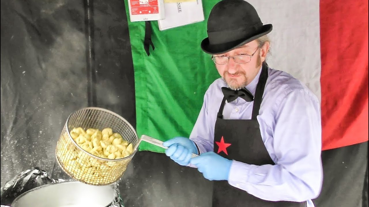 Great Italian Pasta Cooked and Tasted in Brick Lane. Street Food of London