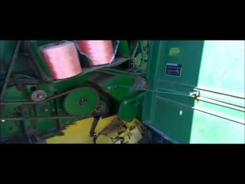 John Deere 535 round baler Demo