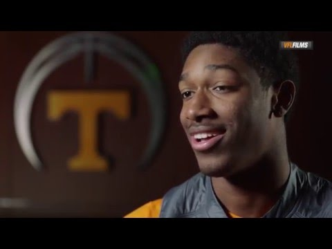 #VolReport: Happy Holidays from Tennessee Basketball