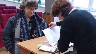 Ветеранам ВСМПО выдают новые банковские карты