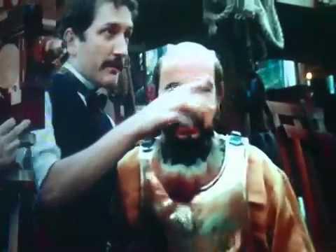 Gulliver McGrath in Hugo