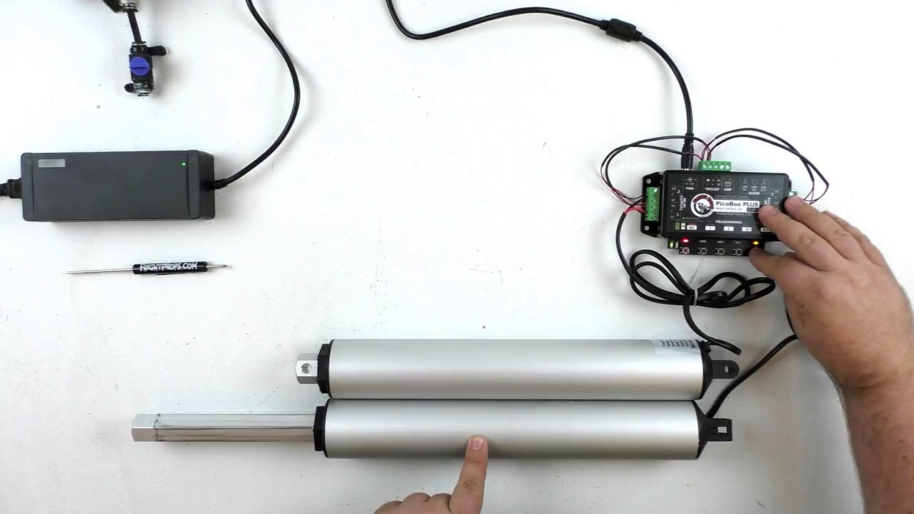 hight resolution of controlling multiple linear actuators from a single controller