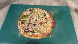 Pizza making video