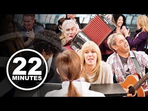 Airport Kitchen Party | 22 Minutes
