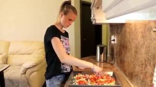 Юля Николаева (Танцы на ТНТ) готовит мясо по-французски