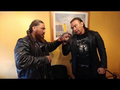 El Cholo y Canelo Casas firman los contratos del duelo cabellera vs cabellera
