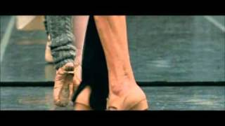 BLACK SWAN Featurette: Natalie Portman