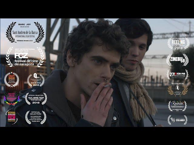 Gay Short Film - Un instante // An Instant (Adrià Guxens, 2017)