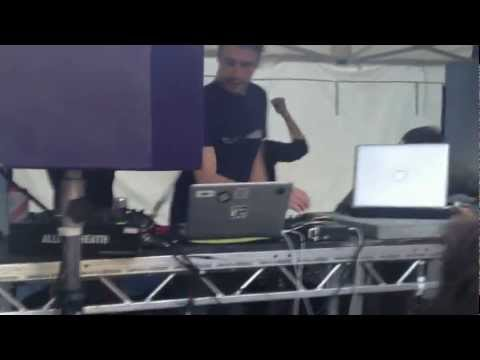 Stimmin live @ Krankbrother Street Party in London 09/06/12 Mp3