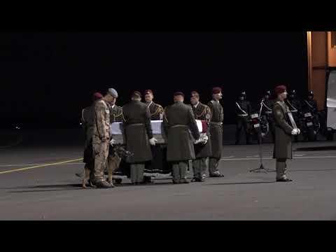 Smuteční ceremoniál na kbelském letišti - št. prap. i.m. Tomáš Procházka