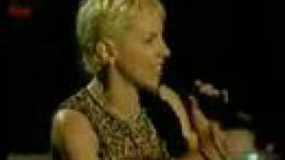 Annie Lennox MISSIONARY MAN 46664 Live 3/2005 (7/9)