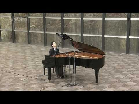 Kiss The Rain (Live w/ HD) - Yiruma