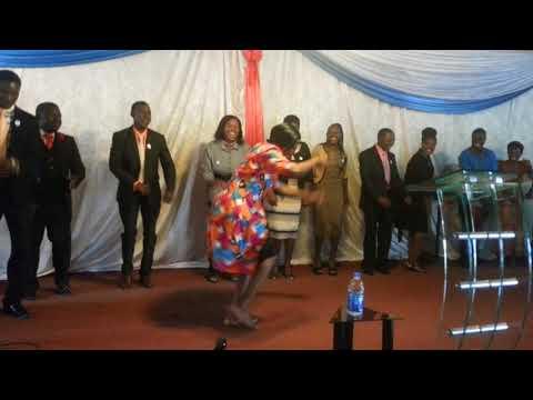 Zaoga FIF Bindura Pastors dance