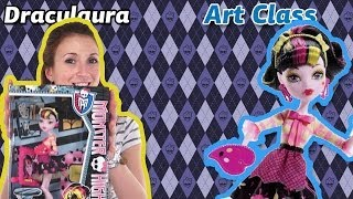 Обзор на Draculaura Art Class (Дракулаура Арт Класс Monster High Школа Монстров) BDF12(Как нарисовать автопортрет, если ты -- дочь вампира и не отражаешься в зеркалах? Как вообще нарисовать его,..., 2014-01-30T18:53:19.000Z)