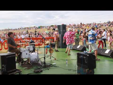 Live at the Bandstand 29th June 2009 Part 2