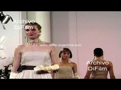 Desfile de moda del diseñador Fabian Kronenberg (sin sonido) 1994