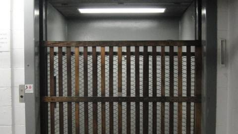 AWESOME Otis Freight elevator w/ wooden gate @ South Hills Village Mall Bethel Park PA - YouTube & AWESOME Otis Freight elevator w/ wooden gate @ South Hills Village ...