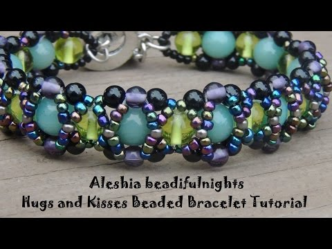 hugs-and-kisses-beaded-bracelet-tutorial