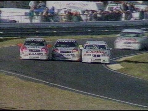 Three-wide at Lakseide, 1995 Australian Super Tourers, Paul Morris, Brad Jones, Greg Murphy