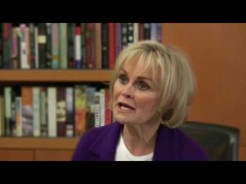 Kitty Kelley Discusses Oprah's Management Style