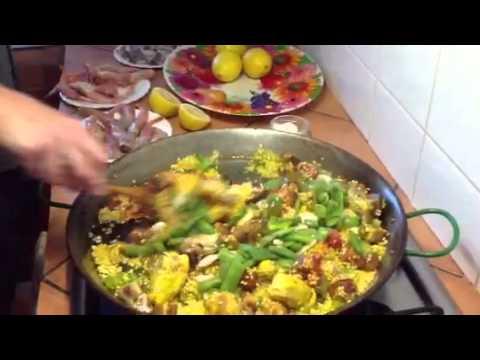 Cooking paella Valencia in Benissa at Villa Hermano B&B