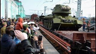 В Омську дорослі і діти з захопленням зустріли «Армію Перемоги»