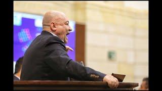 """Entre gritos de """"asesino"""" y """"criminal"""" terminó debate en el Congreso"""