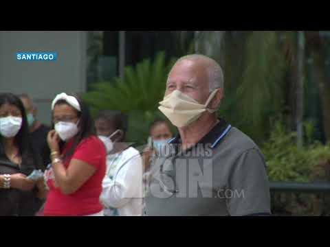 Podrían establecer cerco sanitario en Santiago tras aumento del COVID-19