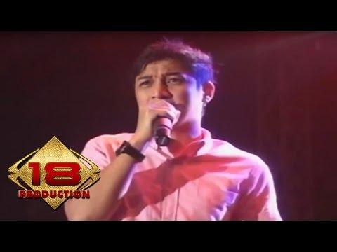 Ungu - Sejauh Mungkin  (Live Konser Solo 20 April 2013)