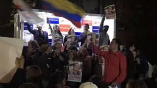 Video Una Colombia Distinta con Zuluaga Presidente download MP3, 3GP, MP4, WEBM, AVI, FLV November 2018