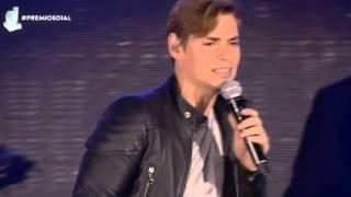 Carlos Baute ~ Perdimos el Control (Premios Cadena Dial 2016) HD