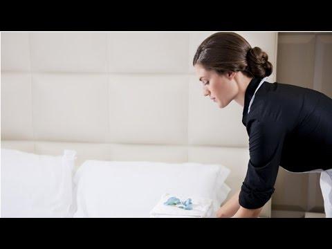 Clique e veja o vídeo Curso Treinamento de Camareira - A Camareira