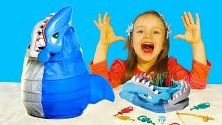 ЧЕЛЛЕНДЖ Рыбалка с Акулой / Детская настольная игра / Семейное видео для детей