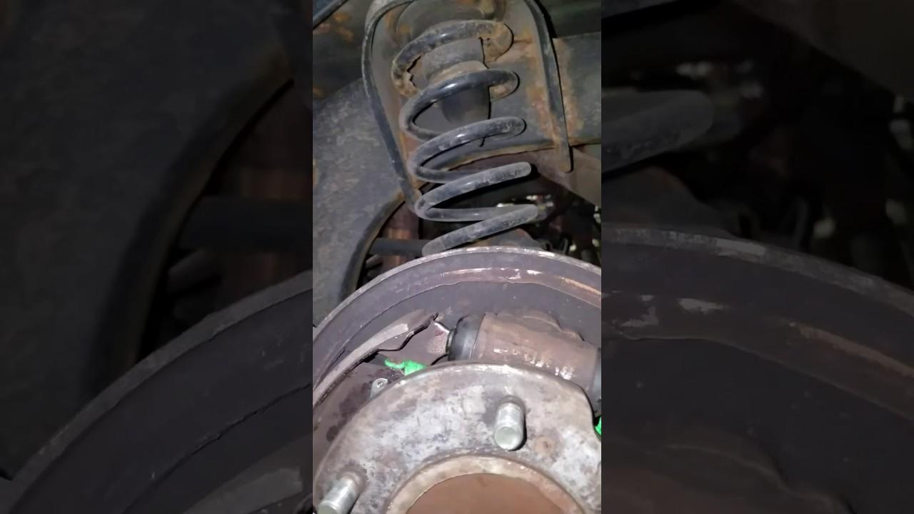 99 chevy tracker rear drum brake ebrake [ 1280 x 720 Pixel ]