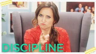 How To Discipline Your Child: Mom Minute On The Mom's View