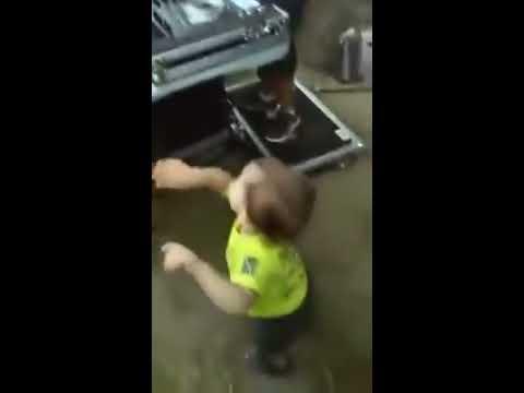 Niño, DJ  (imitando al rubius :v)- 2017