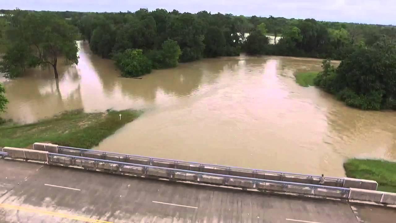 Kingsland at Pin Oak Flooding  Katy TX Flood of 2016