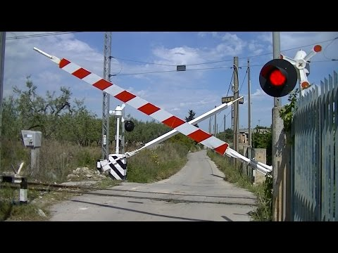 Spoorwegovergang Bari (I) // Railroad crossing // Passaggio a livello