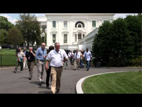 Bomb threat: White House briefing room briefly evacuated