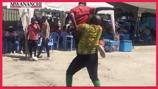 Vibe la mashabiki Simba na Yanga Benjamini Mkapa watambiana kwa kucheza