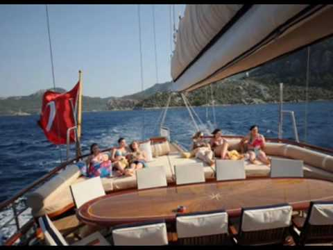 Charter gulet Yucembey 1 in Turkey.wmv